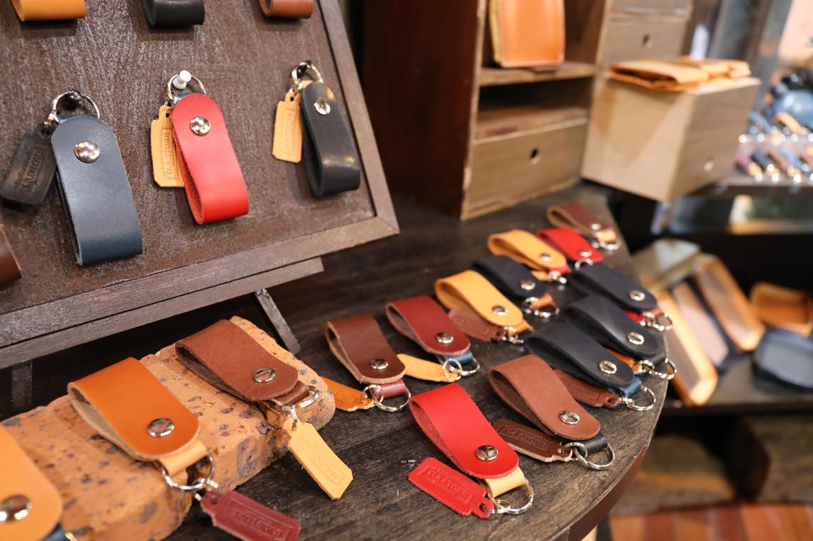 Leather & Wood U.A.STORE From Okinawa